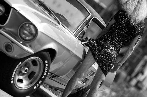 upskirt-car